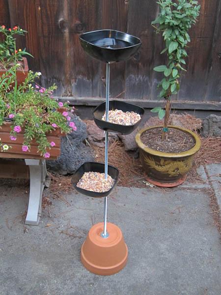 Self Standing Bird Feeder Tyres2c